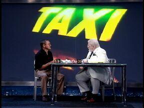 Taxista Pedro Palmeira dos Santos é a alegria dos passageiros - Ele trabalha, com muito alto astral, no Rio de Janeiro.