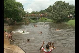 Em Aurora do Pará, águas calmas e frias de rio atraem veranistas durante o verão - Opção é para quem busca descanso e aconchego no rio que cota a 'Vila Fátima'.