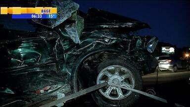 Três pessoas da mesma família morrem em acidente em Garibaldi, RS - Veículo onde estavam as vítimas invadiu pista contrária.