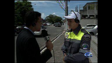 Multas aplicadas na cidade podem ser contestadas pelos motoristas - O coordenador de Operações de Trânsito da SMTT de Maceió, Carlos Calheiro, explica quais são os procedimentos que o motorista deve tomar ao receber uma multa de trânsito.
