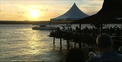 Comerciantes discutem medidas para não serem retirados da Praia do Jacaré, em Cabedelo - Donos de bares e restaurantes se reuniram ontem (14) com Assessoria Jurídica para definir propostas que permitam aos estabelecimentos continuarem funcionando de forma regular no local.