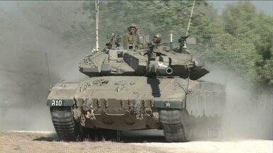 """Israel inicia invasão por terra à Faixa de Gaza - Em entrevista ao Jornal Nacional o comandante da base aérea disse que """"o Hamas tem mais armamentos, é um inimigo mais forte, e com novas táticas""""."""