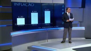 Otimismo do governo em relação ao PIB e à inflação não se justifica - Carlos Alberto Sardenberg afirmou que a previsão de inflação aumentou para o governo em 6,20% e o IPCA-15 e não deve ficar menor do que isso. Além disso, o PIB deve ficar em 1%.
