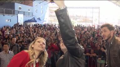 Festa marca o lançamento da nova novela das nove - Os atores Erom Cordeiro, Karen Junqueira e Klebber Toledo participaram da festa