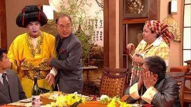 Carretel se veste de gueixa para ajudar Lucicreide - Diarista se aventura pela culionária japonesa