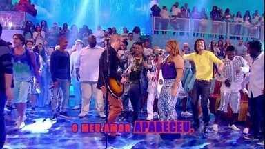 Preta Gil se une a Saulo na música 'Circulou' - Amigos, os cantores mostram muita química no palco do Esquenta!