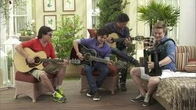 Michel Teló e Chitãozinho e Xororó cantam 'Cavalo Enxuto' e 'Moreninha Linda' - Michel Teló e Chitãozinho e Xororó cantam juntos