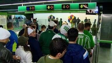 Metrô Clínicas fica aberto até mais tarde para atender torcedores do Palmeiras - A medida foi uma determinação do metrô para atender aos torcedores nos jogos durante a semana. que começam depois das 22h.