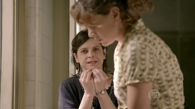 Império - Capítulo de quinta-feira, dia 31/07/2014, na íntegra - Cora tenta convencer Cristina a falar com José Alfredo