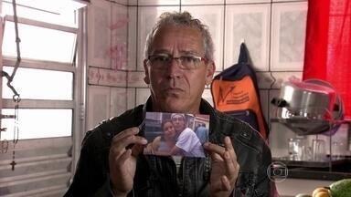Bial mostra VT de pessoas que perderam amigos em ações policiais - 'Fardados ou não, todos perdem', comenta o apresentador