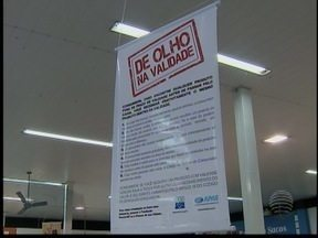 Procon proíbe loja de vender mercadorias por 12 horas em Pres. Prudente - Estabelecimento é acusado de comercializar produtos vencidos.