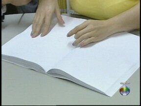 Biblioteca disponibiliza livros em braille em Pres. Prudente - Procura pelas obras é baixo.