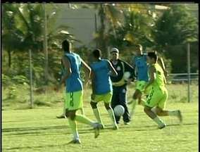 Macaé pode virar líder do campeonato se vencer o Caxias do Rio Grande do Sul - Macaé vai enfrentar o frio da Serra Gaúcha.