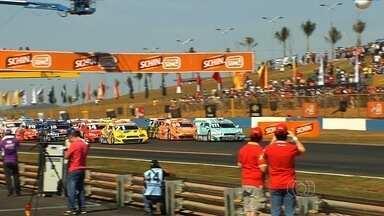 Veja a programação da etapa goiana da Stock Car - Nesta sexta-feira (1º) pilotos realizam treinos livres até o fim da tarde. Público só poderá acompanhar o evento no domingo (3). Os portões serão abertos às 7h.