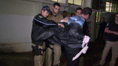 Pastor agredi policiais e acaba preso - A filha dele também foi presa por desacato