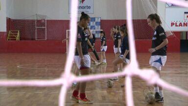 Time de futsal feminino de Cianorte está invicto no Campeonato Paranaense - Equipe joga em casa para manter a invencibilidade