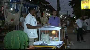 Representantes de donos de bares da Praia do Jacaré fazem reunião para discutir saída - Procuradoria Geral da União deu prazo para eles se retirarem do local. Prefeitura quer relocá-los para outro lugar.