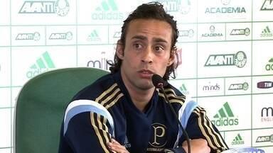 Valdivia explica o motivo de negociação com o time árabe não ter dado certo - Meia esta de volta ao Palmeiras após férias na Disney