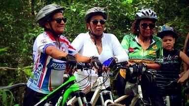 """""""No pedal"""": fonte de saúde, andar de bicicleta é rotina de uma família brasiliense - Exercício contribui para o bom funcionamento do corpo e a mente."""