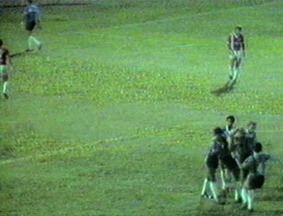 Relembre a estreia de Felipão como técnico do Grêmio em 1987 contra o Inter-SM - Assista ao vídeo.
