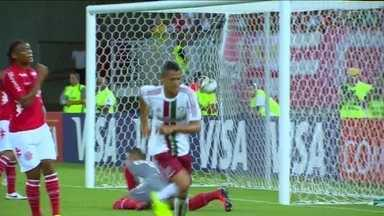 Fred volta a ser titular, mas Cícero faz papel de artilheiro na vitória sobre América-RN - Meia marcou dois gols na vitória do Fluminense. Já o atacante deu o passe para Conca fazer o terceiro.