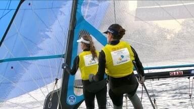 Brasileiras Martine Grael e Kahena Kunze lideram classe 49erFX na vela após sete regatas - Evento-teste para os Jogos Olímpicos de 2016 ocorre na Baía de Guanabara.