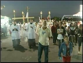 Procissão do dia de Santíssimo Salvador junta milhares de fiéis em Campos, RJ - Procissão do dia do padroeiro da cidade.