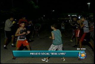 """O projeto social """"Boxe Livre"""" está com inscrições abertas - As aulas acontecem a noite no parque Municipal Josepha Coelho"""
