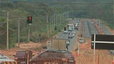 Trecho da Estrada do Moinho é parcialmente interditado - Trecho da Estrada do Moinho é parcialmente interditado.
