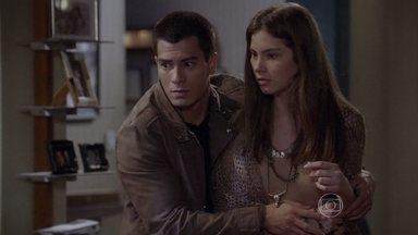 Bianca acusa Karina por ter ficado trancada - Gael pede a Duca que deixe tratar o assunto em família