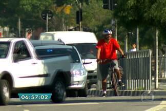 Aplicativos no celular ajudam os ciclistas a circular pela cidade - O técnico de informática Roberson Miguel, que sempre anda de bicicleta, disse que há várias diferenças de uso entre os aplicativos.
