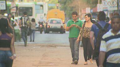 Número de empréstimos consignados triplicam em SP - Em cinco anos, o número de empréstimos deste tipo triplicou no estado de São Paulo. Consumidores devem estar atentos, as taxas de juros destes contratos variam em até 600%.