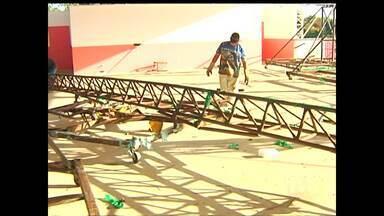 A um mês do Sairé, telfonia e transporte preocupam moradores - 'Botos' se preparam para festival