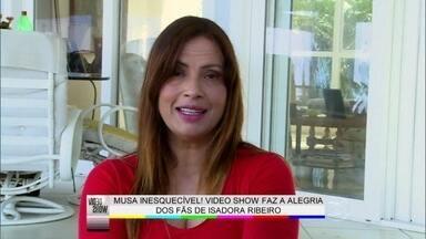 Isadora Ribeiro abre sua casa e relembra trabalhos na TV - 'Eu peguei Tarcísio, Celulari', brinca a musa sobre pares românticos
