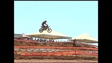 Etapa de Catalão do Goiano de Motocross é realizada - Mais de 200 pilotos participam da competição no fim de semana.