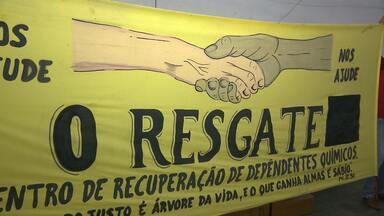 Dependentes químicos são tratados em Campina Grande - Uma equipe multiprofissional de voluntários faz o atendimento psicológico, psiquiátrico e religioso no Instituto Resgate.