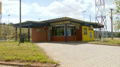 Motoristas reclamam de dificuldades para encontrar agentes da PRF no Sul de Minas - Problema ocorre na rodovia Fernão Dias.