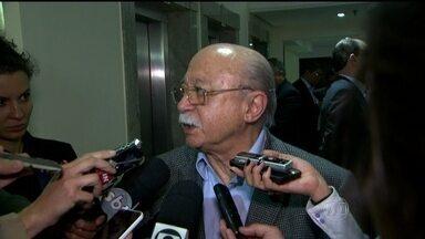 Executiva do PSB se reúne em SP para decidir o substituto de Eduardo Campos - A reunião a portas fechadas em um hotel na Zona Sul de São Paulo começou por volta das 20h de sexta-feira (15), com a participação de cerca de 20 integrantes do partido.