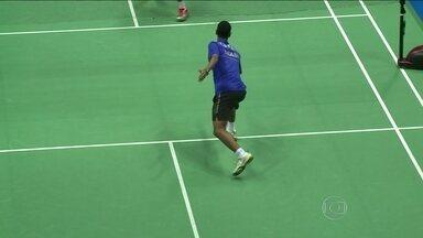 Brasileiro vence no badminton nos Jogos Olímpicos da Juventude na China - Ygor Coelho começou a treinar na comunidade da Chacrinha no Rio com o pai.