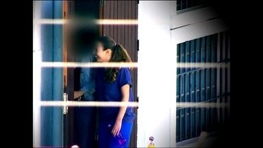 Suzane Von Richtofen vai poder sair da cadeia para trabalhar - A justiça decidiu na última semana, que Suzane Von Richtofen, presa por assassinar os próprios pais, terá direito ao regime semi aberto.
