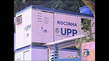 MP pede indenização para moradores da Rocinha torturados por PMS - O Ministério Público entrou com uma ação na justiça contra o Estado, pedindo pagamento de indenização a moradores da Rocinha que teriam sido torturados por 31 policiais militares da Unidade de Polícia Pacificadora da comunidade.
