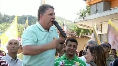Garotinho faz campanha em Paracambi, na Baixada Fluminense - O candidato Garotinho fez campanha em Paracambi, na Baixada Fluminense. Ele fez uma carreata com militantes e conversou com moradores e comerciantes.