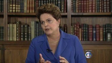 Dilma Rousseff é entrevistada no Jornal Nacional - A candidata do PT à Presidência da República foi entrevistada ao vivo, no Palácio da Alvorada, por William Bonner e Patrícia Poeta. A entrevista é parte de uma série com os principais presidenciáveis.