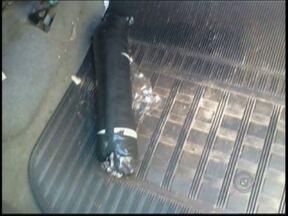 Gate detona bomba que estava em veículo apreendido em Jales - A equipe do Gate, Grupo de Ações Especiais da Polícia Militar da capital esteve em Jalesx (SP) nesta quarta-feira (20), onde detonou um explosivo, encontrado em um carro que tinha sido apreendido de uma quadrilha acusada de explodir caixas eletrônicos.