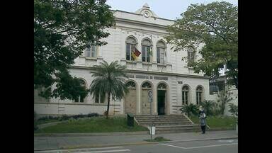 Vereador é condenado a cinco de prisão em Santa Maria (RS) - João Carlos Maciel foi condenado por supostamente ter recebido parte dos salários dos assessores no ano de 2009.