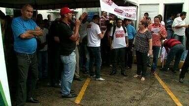 Servidores públicos de Maceió fazem greve geral - Quem precisou de atendimento nas unidades de saúde nesta quinta-feira (22) teve que voltar para casa.
