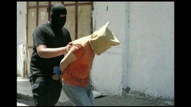 Grupo Hamas executa publicamente 18 palestinos na Faixa de Gaza - Em mais um dia de barbárie no Oriente Médio, o grupo extremista Hamas executou publicamente 18 palestinos em Gaza. Foi mais um dia de bombardeios entre israelenses e palestinos.