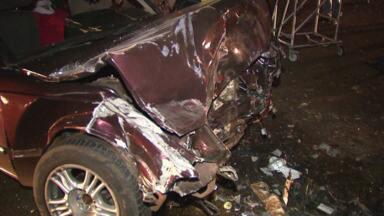 Homem fica ferido em acidente na BR-277 - Vários acidentes aconteceram em Foz do Iguaçu ontem à noite.