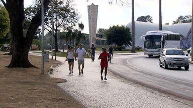 Pistas de corrida de Belo Horizonte estão em más condições - A capital tem mais de 60 pistas de caminhada e corrida regularizadas, mas moradores reclamam dos buracos e placas de sinalização.