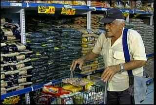 Redução nos itens da cesta básica é registrada entre os meses de junho e julho - A pesquisa foi realizada pela Facape e apontou que a diminuição foi de quase 6%.